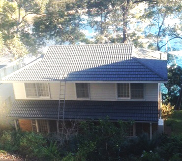 Residential roof spraying/painting in Sydney