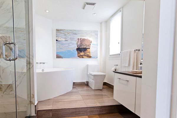 Bathroom renovation ideas statement art tips from Summit Coatings